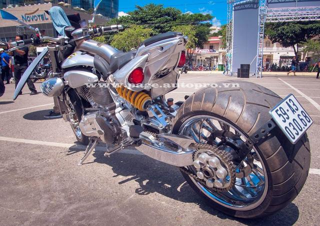 """Ngắm loạt xe mô tô """"bánh béo"""" hội tụ tại đại hội motor Đà Nẵng 12"""