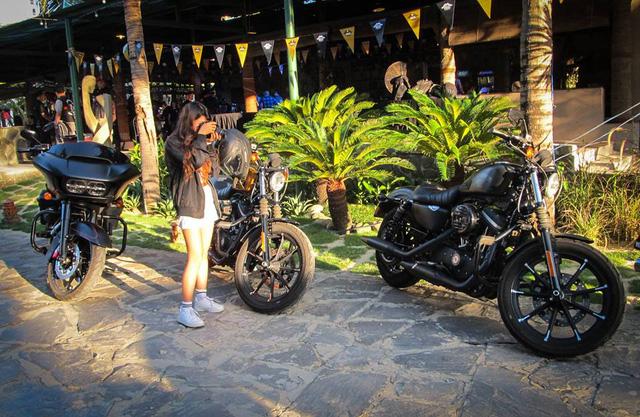 Sự kiện mô tô đang diễn ra tại Đà Nẵng thu hút khá nhiều sự chú ý của các bạn trẻ.