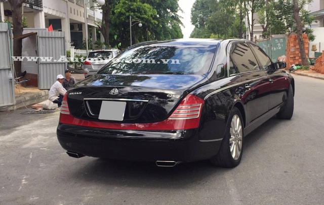 Được biết chiếc Maybach 62S xuất hiện trong garage của doanh nhân Quốc Cường đã cập bến tại thị trường Việt Nam vào năm 2010, mức giá khi đó cho chiếc xe siêu sang không dưới 1 triệu USD.