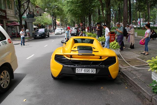 McLaren 650S Spider được trang bị động cơ V8, tăng áp kép, dung tích 3,8 lít, sản sinh công suất tối đa 641 mã lực. Sức mạnh được truyền tới bánh thông qua hộp số tự động ly hợp kép 7 cấp. Nhờ đó, McLaren 650S Spider có thể tăng tốc từ 0-100 km/h trong 3 giây và đạt vận tốc tối đa khoảng 328 km/h.