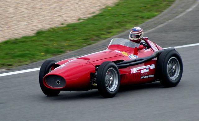 Maserati 250F được huyền thoại Juan Manuel Fangio cầm lái và dành chiến thắng tổng cộng 8 chặng trong giai đoạn từ năm 1954-1960.