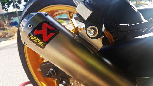 Ngắm Yamaha R3 độ bản Red Bull cực chất cùng đồ chơi hàng hiệu 12