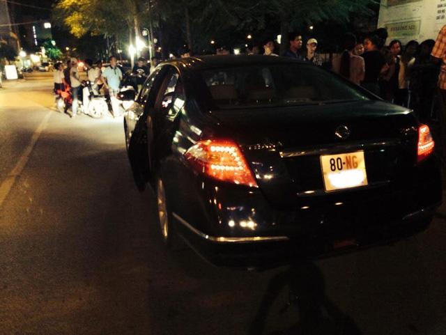 Chiếc Nissan Teana của đại sứ quán Sudan gây tai nạn.