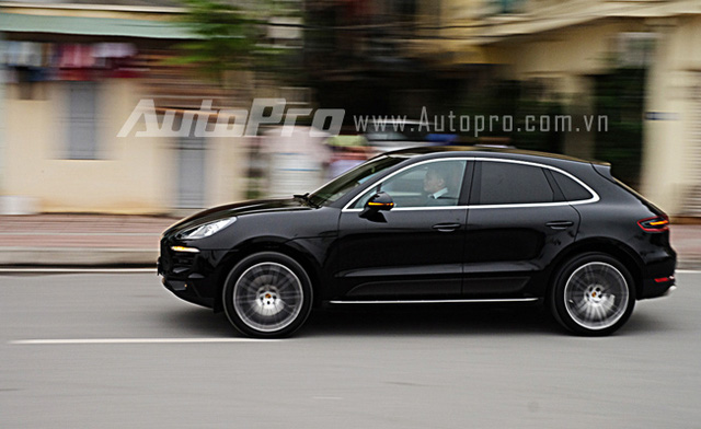 sau v l ng porsche macan con h trong ph n kh c suv h ng sang c nh. Black Bedroom Furniture Sets. Home Design Ideas