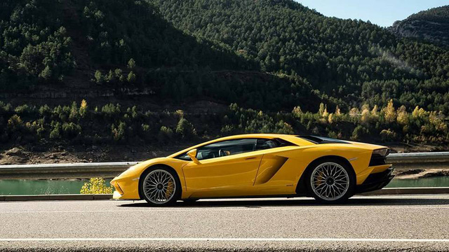 Lamborghini Aventador S LP740-4 chính thức trình làng, mạnh hơn 40 mã lực - Ảnh 10.