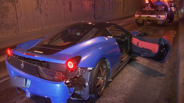 Cặp đôi siêu xe Lamborghini Huracan và Ferrari 458 Italia gặp tai nạn trong đường hầm - Ảnh 3.