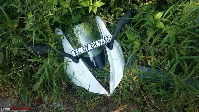 Ô tô quay đầu, gây tai nạn cho cặp đôi Kawasaki Versys 650 và Triump Daytona - Ảnh 4.