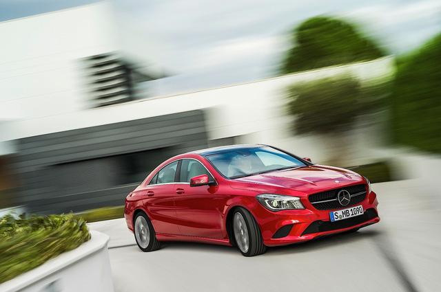 Mercedes-Benz thai nghén A-Class Sedan để cạnh tranh với BMW 1-Series Sedan - Ảnh 1.