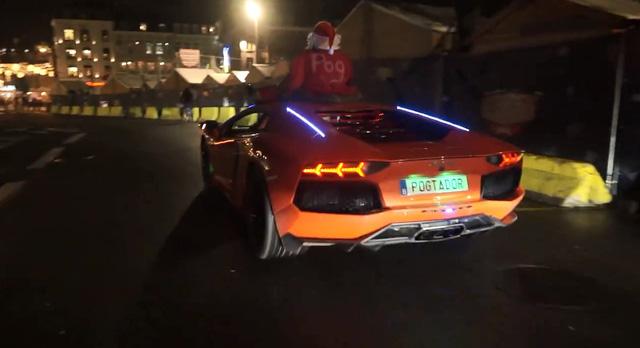 Siêu xe Lamborghini Aventador hóa thành chú tuần lộc của ông già Noel - Ảnh 5.