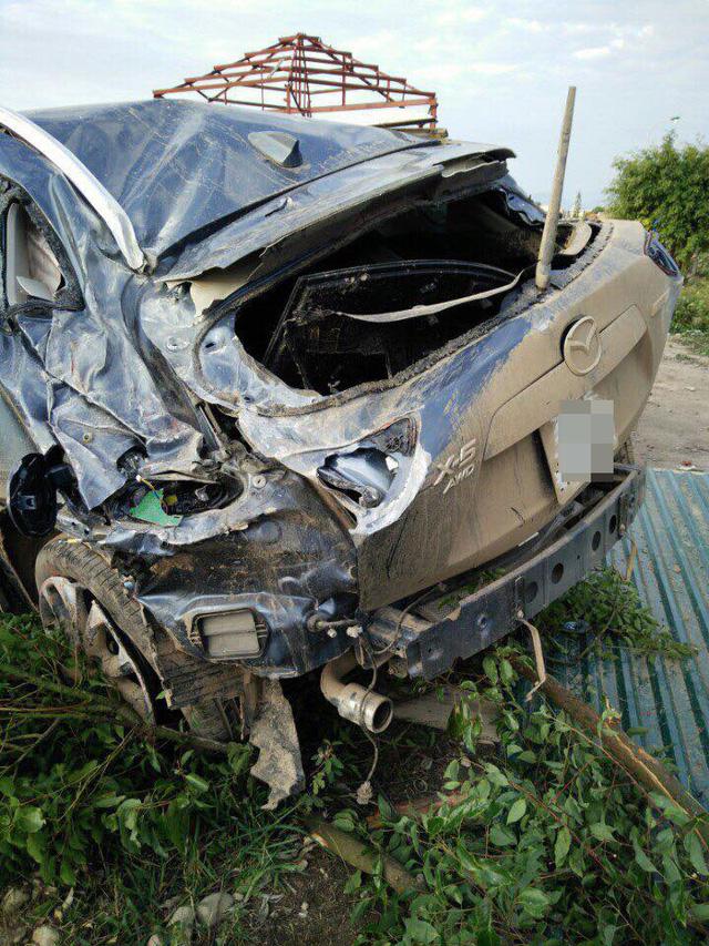 Quảng Ninh: Mazda CX-5 lật nhiều vòng trong đêm, 5 người thương vong - Ảnh 5.