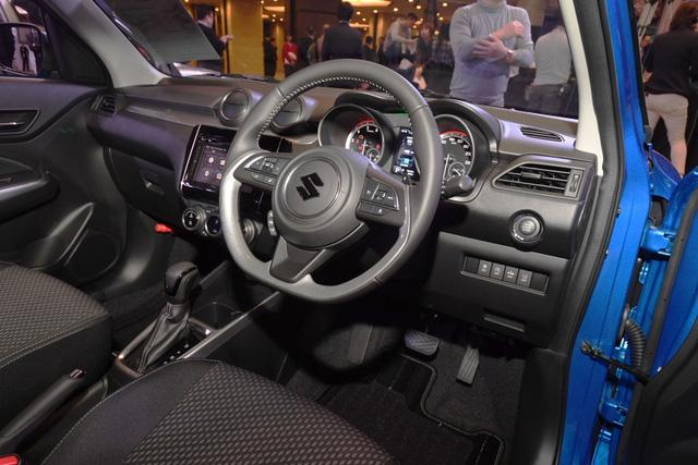 Ngắm bé hạt tiêu Suzuki Swift 2018 mới ra mắt ngoài đời thực - Ảnh 8.