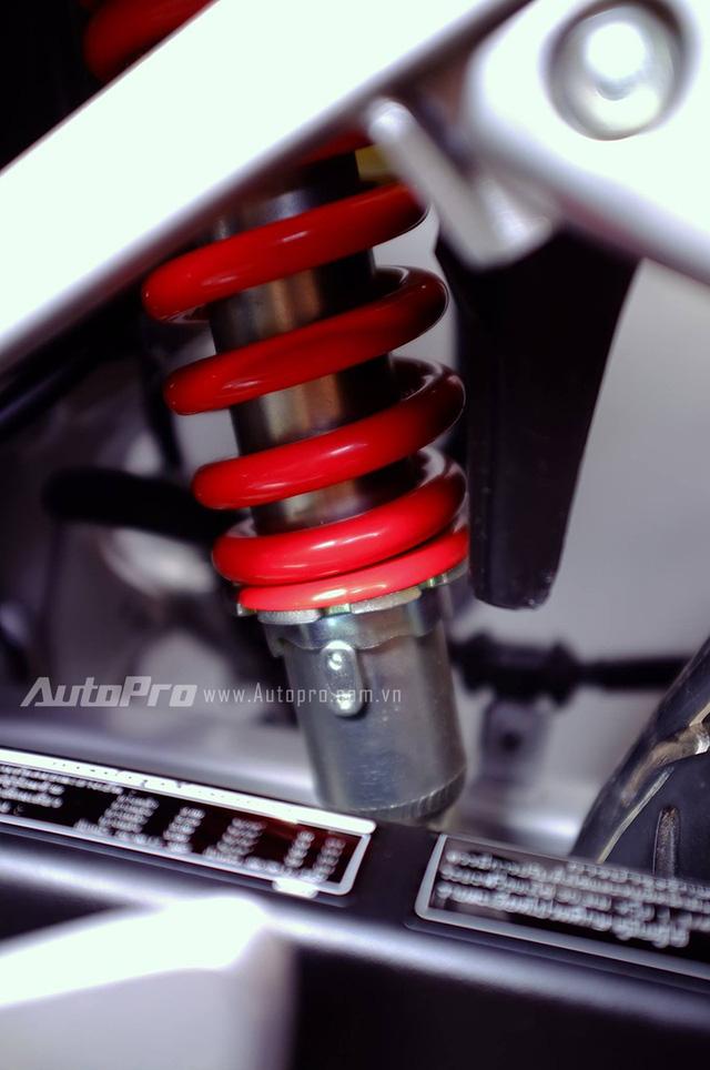 Biker Hà Thành chi 230 triệu để hồi sinh xe hai kỳ Honda LS 125R nguyên bản - Ảnh 12.