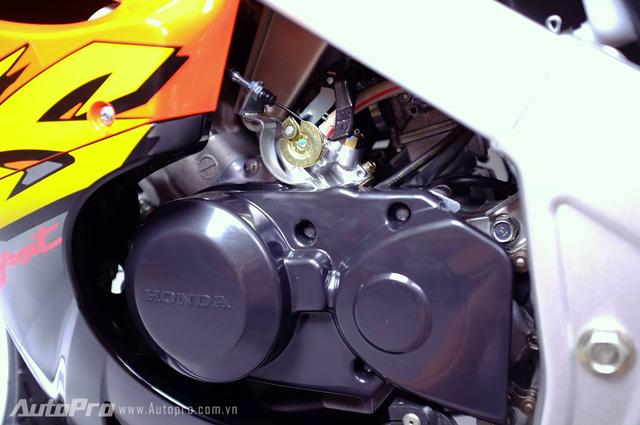 Biker Hà Thành chi 230 triệu để hồi sinh xe hai kỳ Honda LS 125R nguyên bản - Ảnh 11.