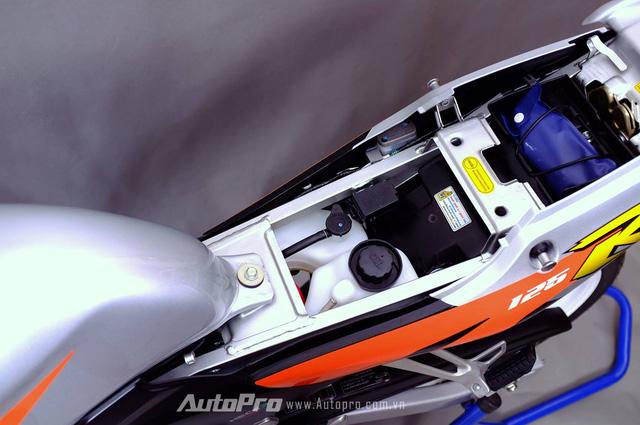 Biker Hà Thành chi 230 triệu để hồi sinh xe hai kỳ Honda LS 125R nguyên bản - Ảnh 9.