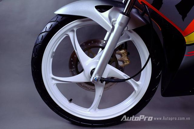 Biker Hà Thành chi 230 triệu để hồi sinh xe hai kỳ Honda LS 125R nguyên bản - Ảnh 10.