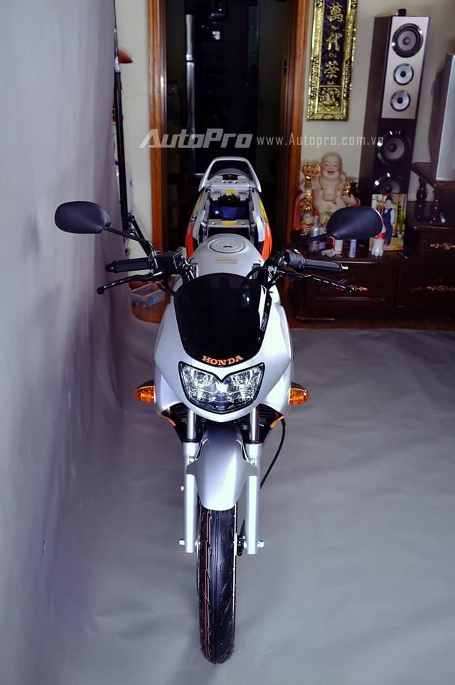 Biker Hà Thành chi 230 triệu để hồi sinh xe hai kỳ Honda LS 125R nguyên bản - Ảnh 1.