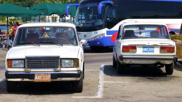 Một mẫu xe Nga khác là VAZ 2105 hay còn được biết đến với tên gọi Lada Riva tại Cuba. Mẫu xe này sở hữu động cơ 1.3L, có khả năng sản sinh công suất tối đa 63,6 mã lực.