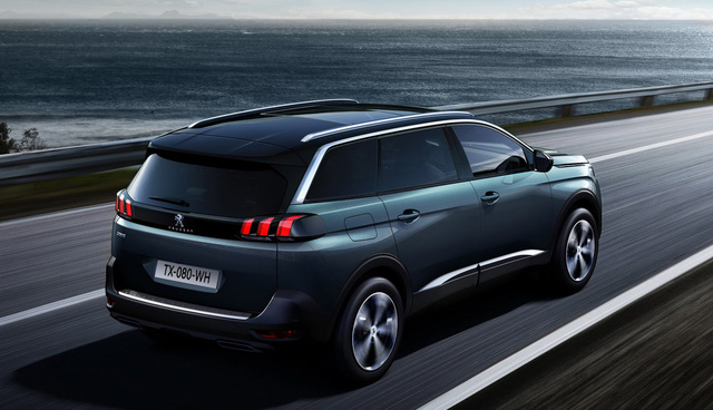 Bên cạnh đó là hàng loạt động cơ diesel như BlueHDi 100 1,6 lít, BlueHDi 120 1,6 lít và BlueHDi 150 2.0 lít. Riêng bản GT cao cấp nhất của Peugeot 5008 2017 sử dụng động cơ diesel BlueHDi 180, dung tích 2.0 lít.