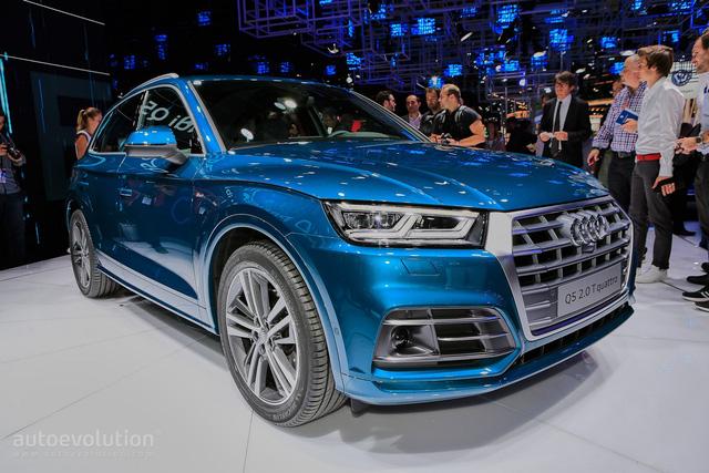 Dự kiến, Audi Q5 2017 sẽ có mặt trên thị trường vào đầu năm sau. Tại thị trường Đức, Audi Q5 thế hệ mới có giá khởi điểm 45.100 Euro, tương đương 1,13 tỷ Đồng.