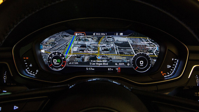 Tính năng Traffic Light Information có thể kết hợp với cả hệ thống định vị của xe.