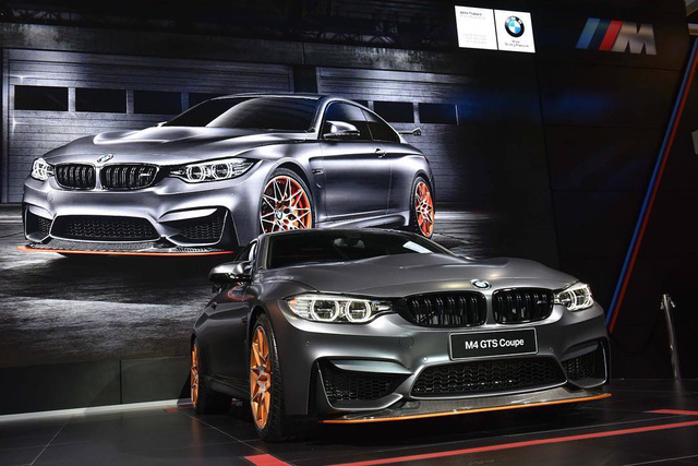 """BMW M4 GTS là mẫu xe thể thao 2 cửa đã lần đầu tiên ra mắt trong triển lãm Tokyo 2015. Trên thực tế, đây là phiên bản đặc biệt của dòng BMW M4 Coupe. Theo nhãn hiệu Đức, """"đây là tác phẩm trưng bày công nghệ độc đáo, nâng tiềm năng của BMW M4 Coupe lên một tầm cao mới""""."""