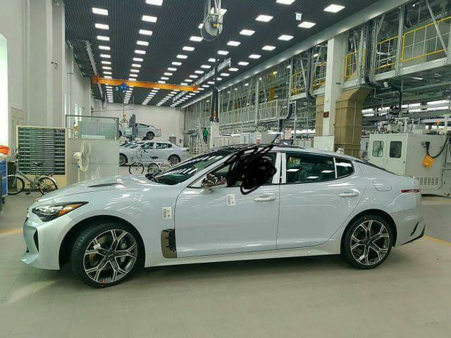 Kia K8 trong nhà máy có thiết kế lấy cảm hứng từ...