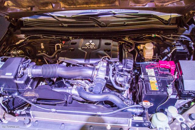 Khoang động cơ của Mitsubishi Pajero Sport 2016. Ảnh: Tinhte