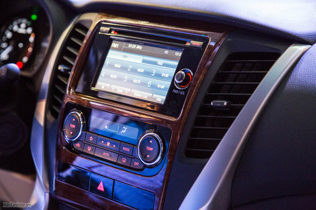 Cận cảnh nội thất của Mitsubishi Pajero Sport 2016. Ảnh: Tinhte