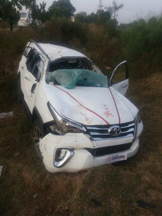 Chiếc Toyota Fortuner 2016 tại hiện trường vụ tai nạn.