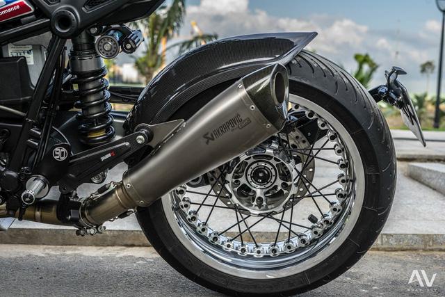 Tổng cộng chi phí độ của chiếc BMW R NineT này lên đến 1 tỷ Đồng. Như vậy, đây là chiếc mô tô có chi phí độ cao nhất tại Việt Nam tính đến thời điểm này.