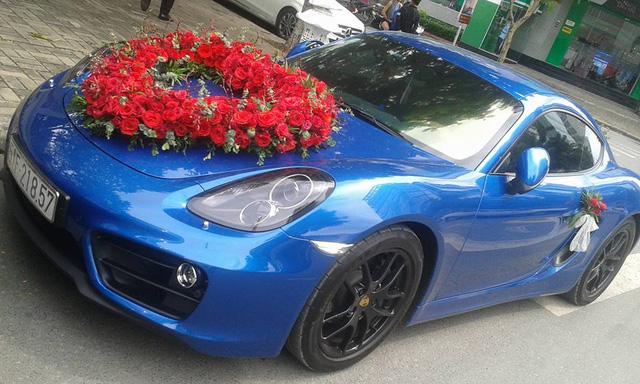 Dàn siêu xe và xe thể thao tiển tỷ rước dâu tại Sài thành - Ảnh 1.