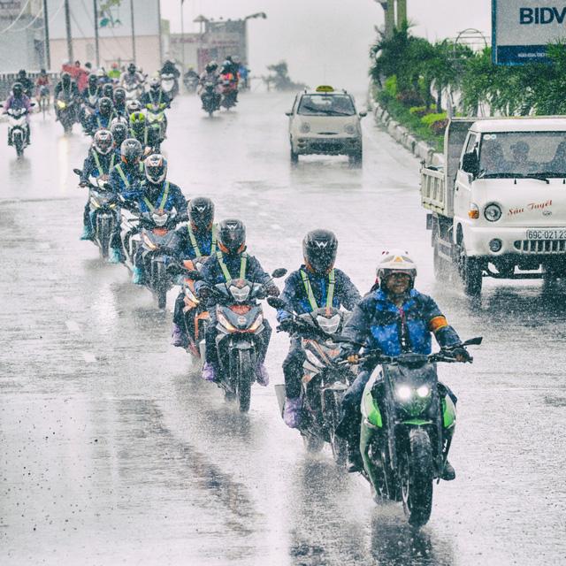 Các biker và phóng viên đã được trải nghiệm Honda Winner 150 với đầy đủ các dạng cung đường và các kiểu thời tiết của Việt Nam.