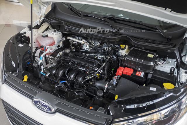 Bên dưới nắp ca-pô của Ford Ecosport Titanium Black Edition vẫn là khối động cơ Duratec 1.5L có khả năng sản sinh công suất tối đa 111 mã lực tại vòng tua máy 6.300 vòng/phút và mô-men xoắn cực đại 140 Nm tại vòng tua máy 4.400 vòng/phút.