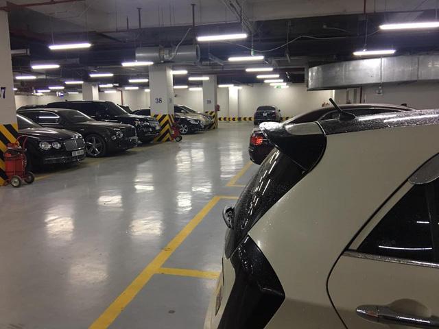 Choáng với căn hầm để xe toàn Bentley tại Hà Nội - Ảnh 3.
