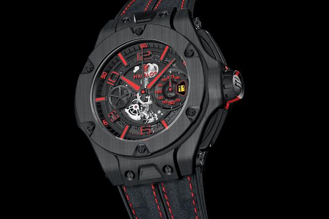 Chiếc đồng hồ Hublot BigBang Ferrari Unico Carbon Fiber có số lượng giới hạn 500 chiếc và mức giá 28.300 USD.
