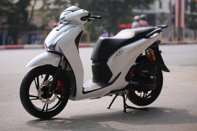 Vừa ra mắt, Honda SH 150i 2017 đã được thanh niên Hà Nội chi 55 triệu độ kiểng - Ảnh 2.