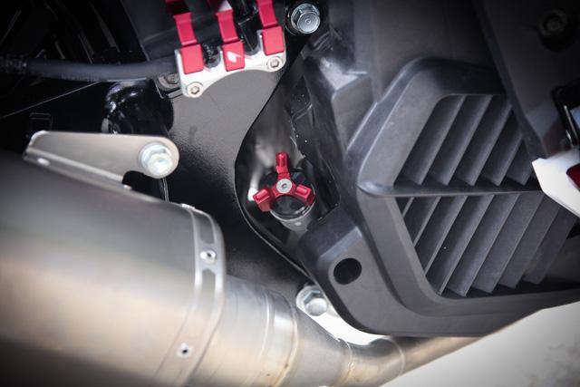 Vừa ra mắt, Honda SH 150i 2017 đã được thanh niên Hà Nội chi 55 triệu độ kiểng - Ảnh 9.