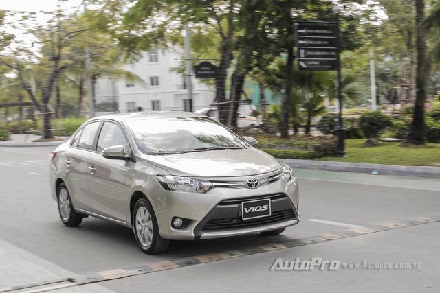 """Đánh giá Toyota Vios 2016: Giải mã hiện tượng người Việt """"cuồng"""" Vios - Ảnh 14."""
