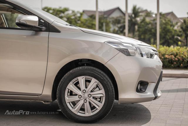 """Đánh giá Toyota Vios 2016: Giải mã hiện tượng người Việt """"cuồng"""" Vios"""