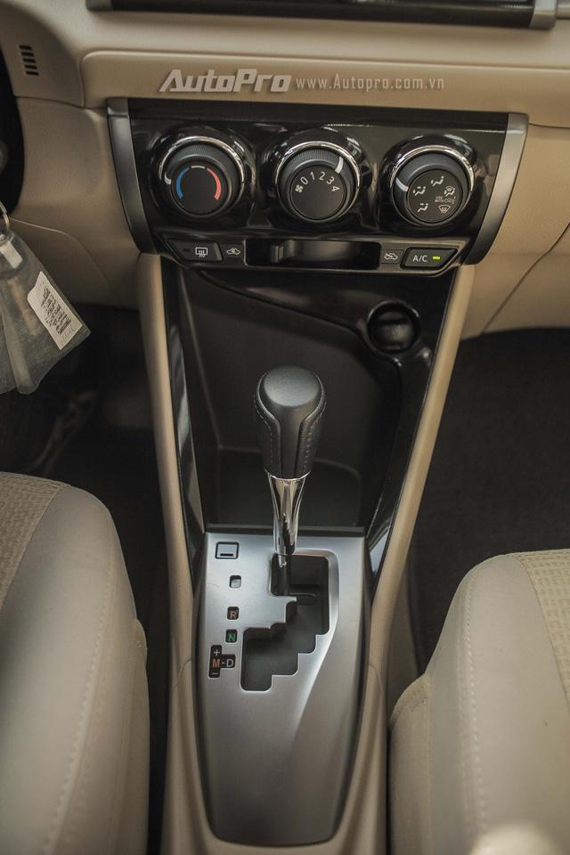 """Đánh giá Toyota Vios 2016: Giải mã hiện tượng người Việt """"cuồng"""" Vios - Ảnh 10."""