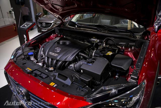 Bên dưới nắp ca-pô của Mazda CX-3 là khối động cơ dung tích 1.998 cc với công nghệ SkyActiv có khả năng sản sinh công suất 146 mã lực và mô-men xoắn cực đại 192 Nm. Hiện Thaco chưa công bố mức giá của Mazda CX-3 nhưng nhiều người dự đoán mẫu xe này sẽ có giá khoảng 700 triệu Đồng.