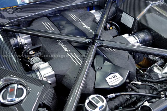 Lamborghini Aventador màu độc của đại gia Sài thành trang bị ống xả độ 205 triệu Đồng - Ảnh 9.