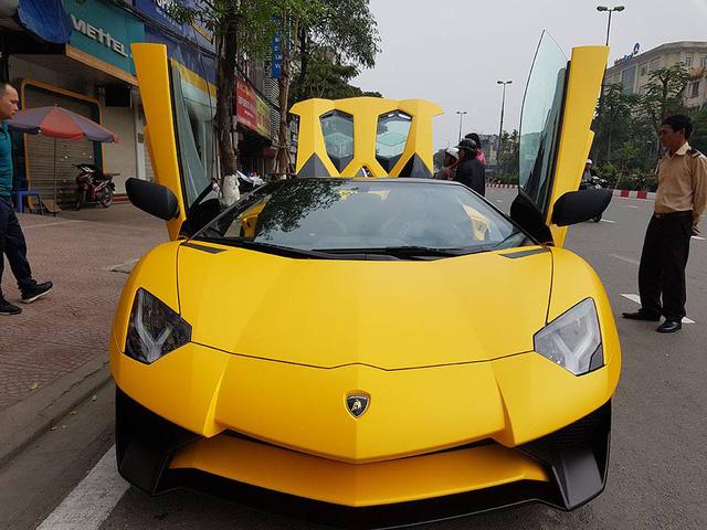 Lamborghini Aventador SV mui trần độc nhất Việt Nam có giá thách cưới 39 tỷ Đồng - Ảnh 2.