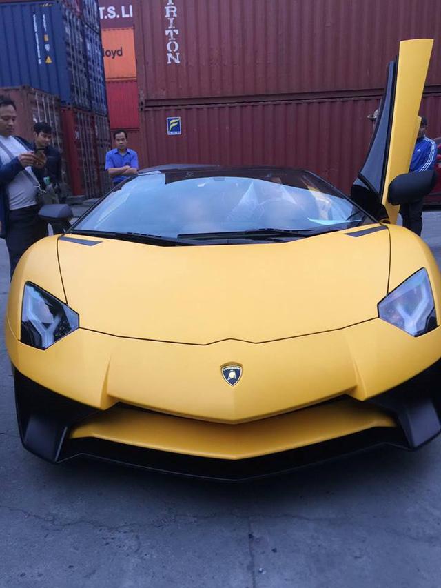 Thiếu gia 9X Hà thành đưa siêu phẩm Lamborghini Aventador SV mui trần về Việt Nam - Ảnh 2.