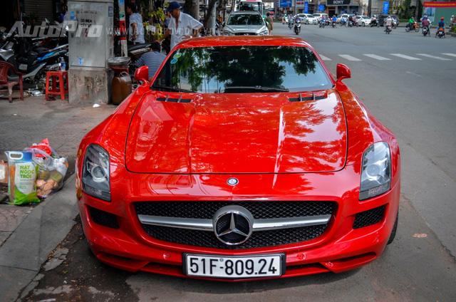 Mercedes-Benz SLS AMG 11,8 tỷ Đồng của tay chơi Bình Định tái xuất trên phố Sài thành - Ảnh 7.
