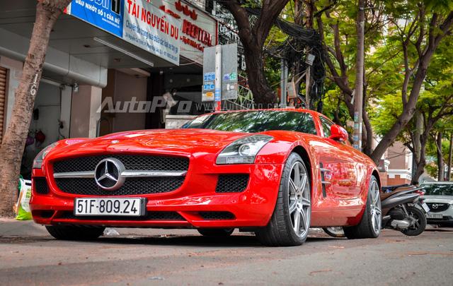 Mercedes-Benz SLS AMG 11,8 tỷ Đồng của tay chơi Bình Định tái xuất trên phố Sài thành - Ảnh 4.