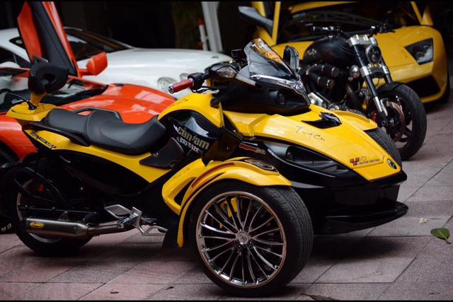 Ngoài dàn siêu xe khủng, đại gia y tế còn có bộ sưu tập mô tô khiến nhiều biker phát thèm - Ảnh 6.