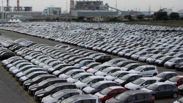 Đầu 2017, ô tô nhập vào đợt tăng giá mạnh - Ảnh 1.