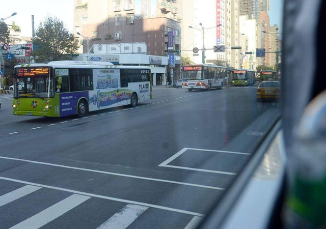 Những điều bạn chưa biết về hệ thống buýt siêu nhanh BRT trên khắp thế giới - Ảnh 2.