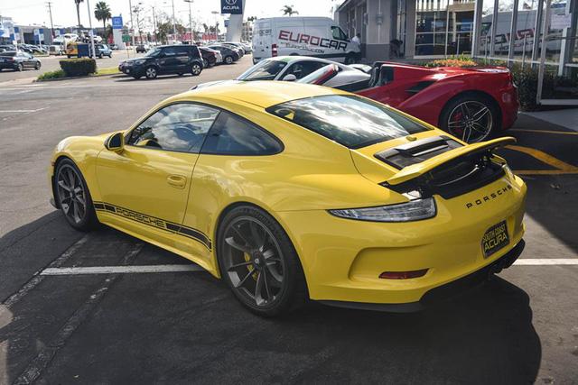 Hàng hiếm Porsche 911 R có giá khóc thét 23 tỷ Đồng - Ảnh 2.